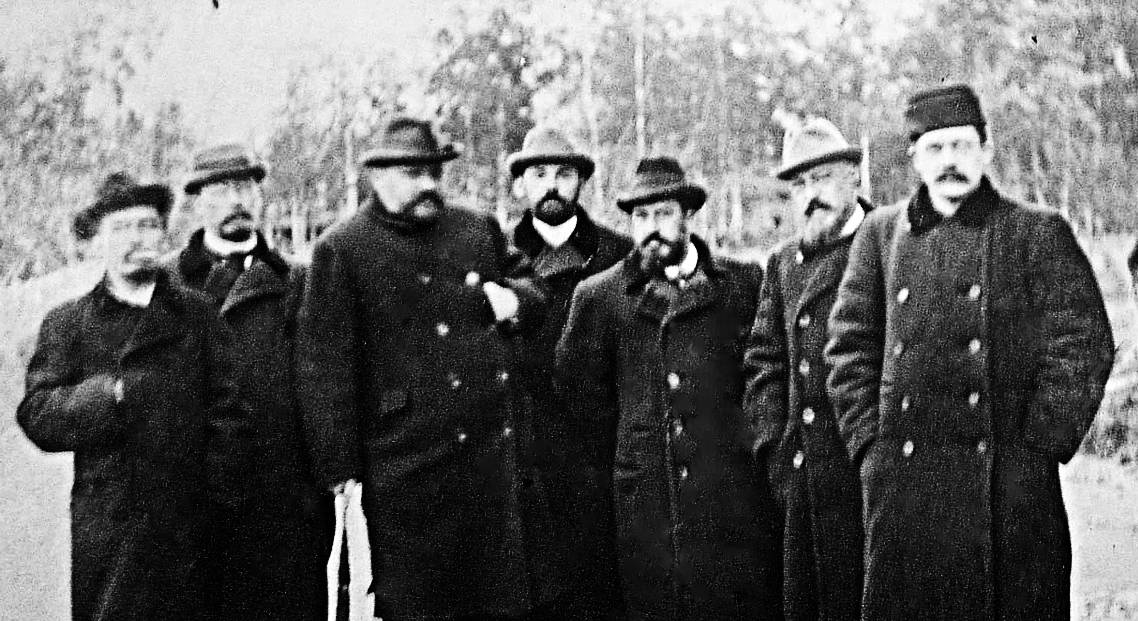 1199px-Russian_psychiatrists_1907
